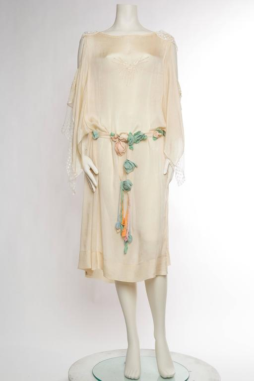 Early 1920s Kimono Sleeve Silk Dress with Roses and Lace at 1stdibs