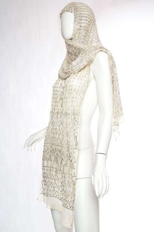 Beige 1920s Egyptian Assuit Shawl For Sale