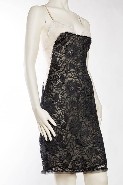 Geoffrey Beene Backless Sheer Lace Dress In Excellent Condition For Sale In New York, NY