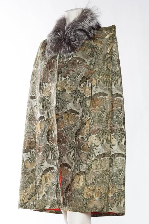 1940s Cape made from Antique Japanese Silk Jacquard with Fur In Good Condition For Sale In New York, NY