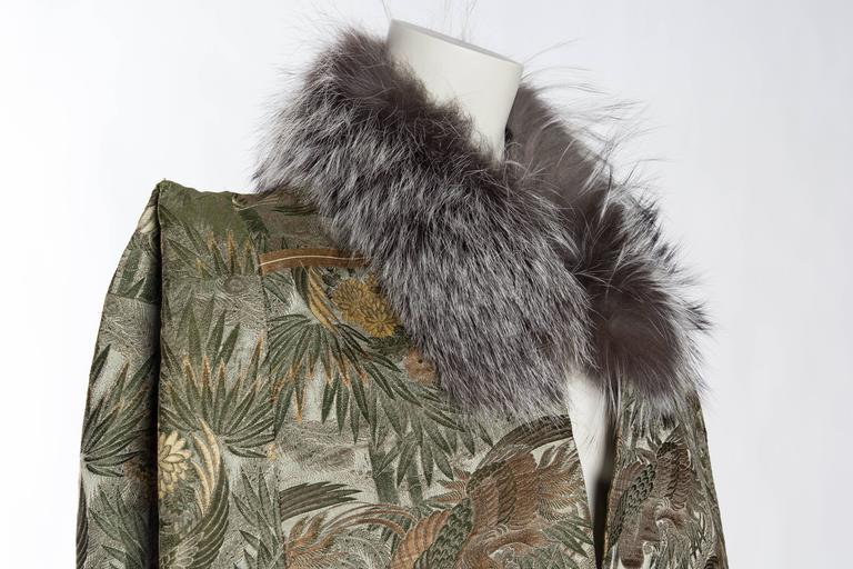 1940s Cape made from Antique Japanese Silk Jacquard with Fur For Sale 2