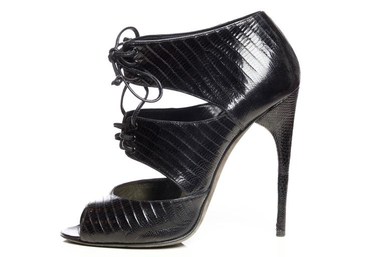 Tom Ford Lizard Skin Peep-Toe Pumps In Good Condition For Sale In New York, NY