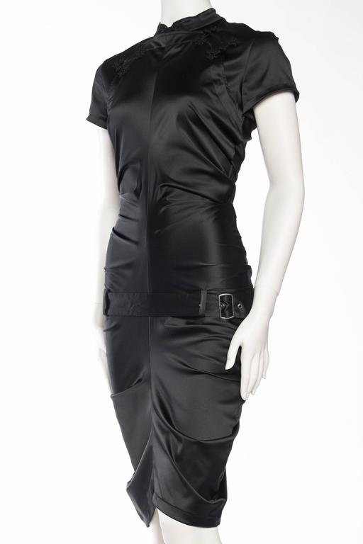 Elizabeth - Sexy John Galliano Stretch Silk Chinese Dress In Excellent Condition For Sale In New York, NY
