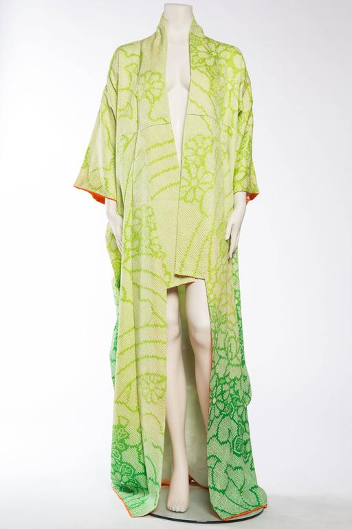 Green Japanese Hand Shibori Dyed Kimono with Ombré Technique For Sale