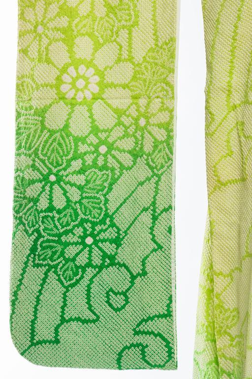 Japanese Hand Shibori Dyed Kimono with Ombré Technique For Sale 4