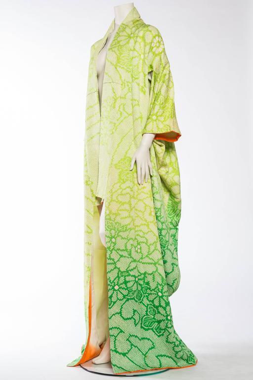 Women's Japanese Hand Shibori Dyed Kimono with Ombré Technique For Sale