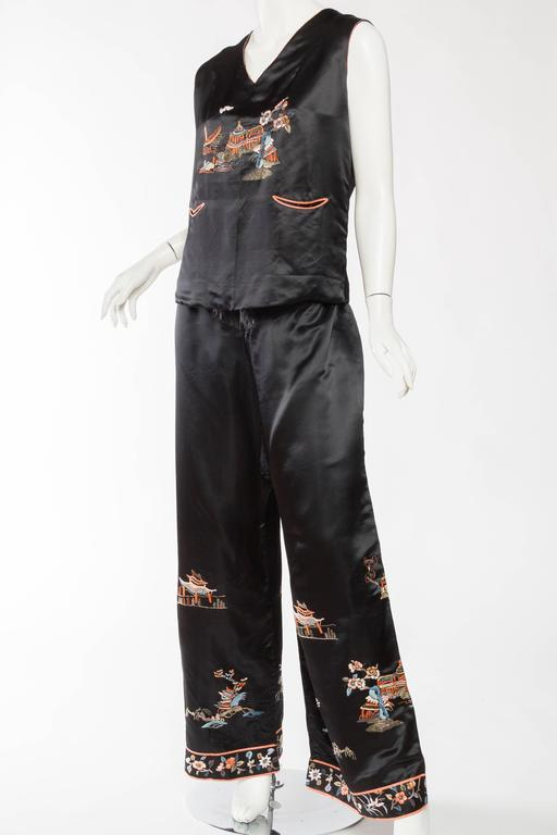 Antique Silk Chinese Pjamas In Excellent Condition For Sale In New York, NY
