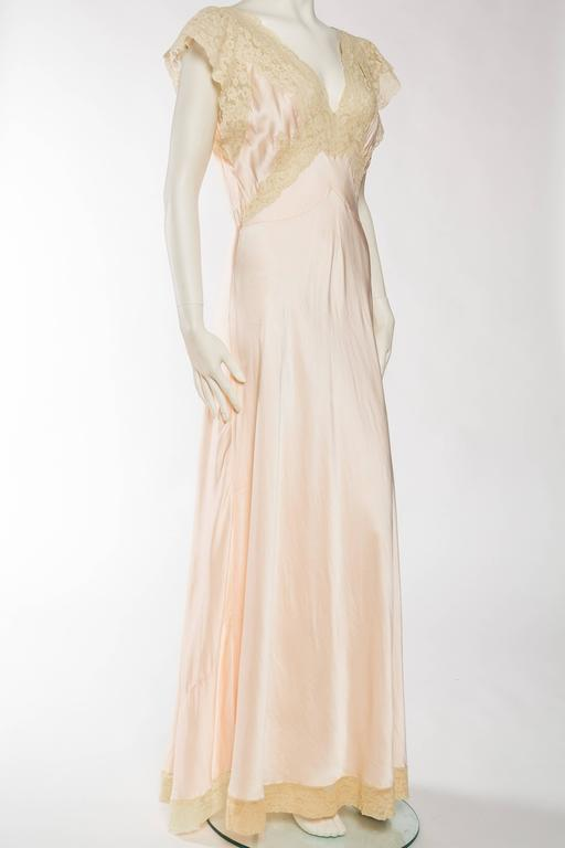 Antique Bias Cut Silk Negligee In Good Condition For Sale In New York, NY