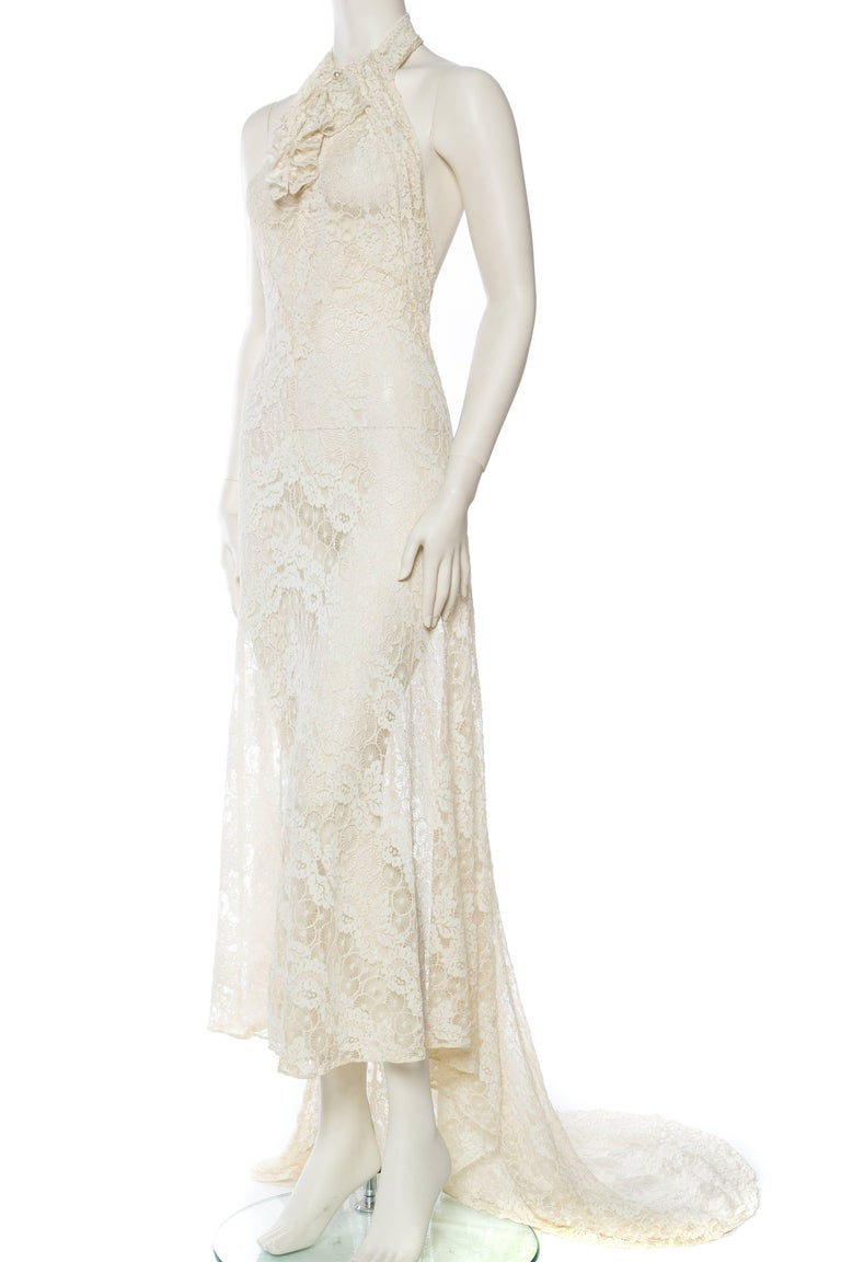 Backless 1930s Spider Lace Dress with Train In Excellent Condition For Sale In New York, NY
