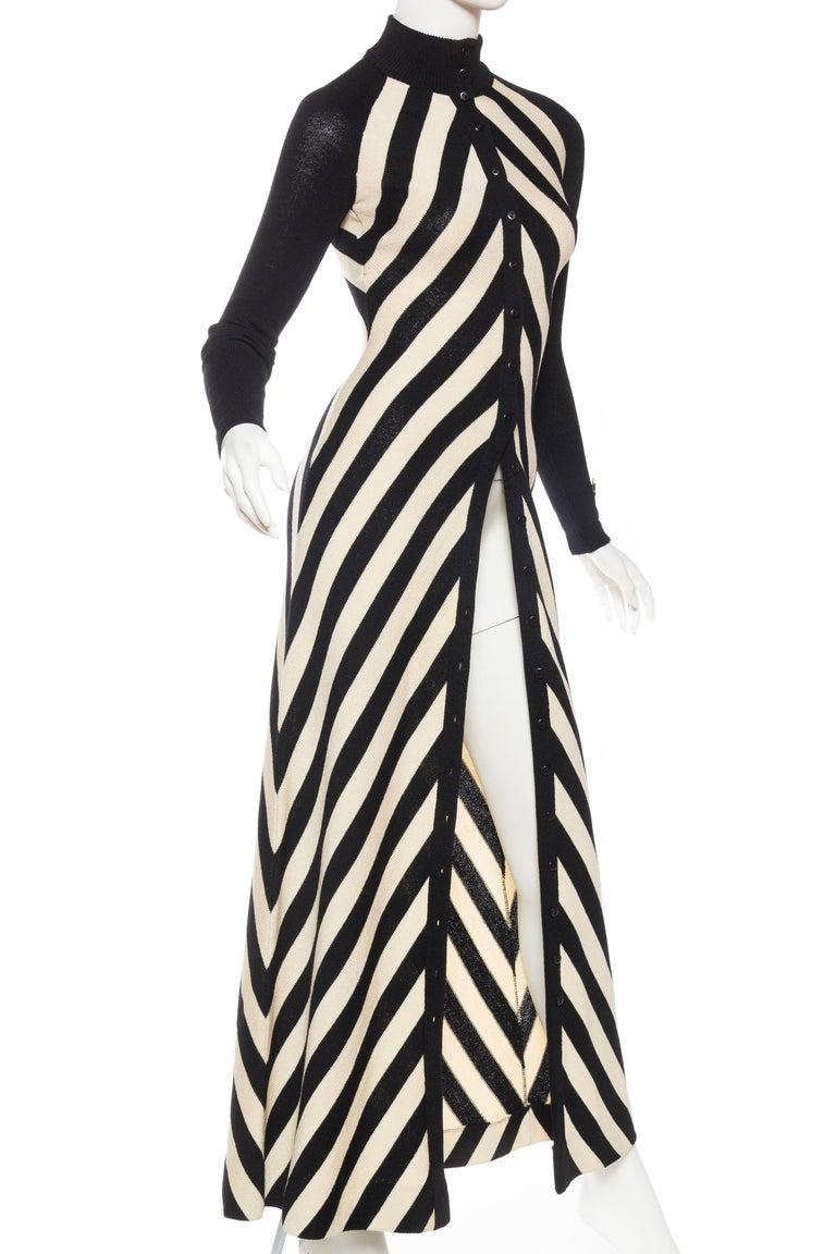 Black & White Op-Art Chevron Striped Maxi Sweater Cardigan For Sale 1