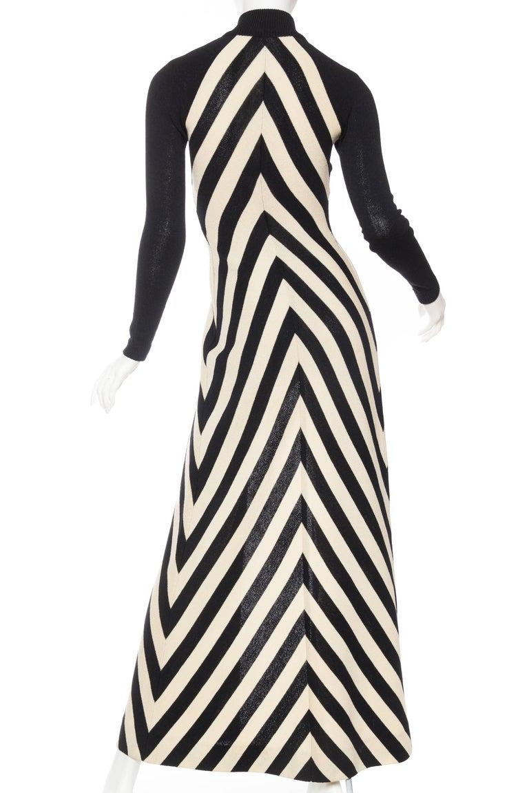 Black & White Op-Art Chevron Striped Maxi Sweater Cardigan For Sale 3
