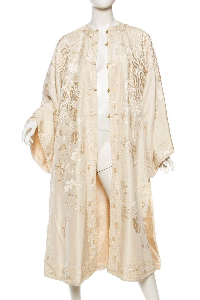 Antique Edwardian Hand Embroidered Chinese Jacket In Good Condition For Sale In New York, NY