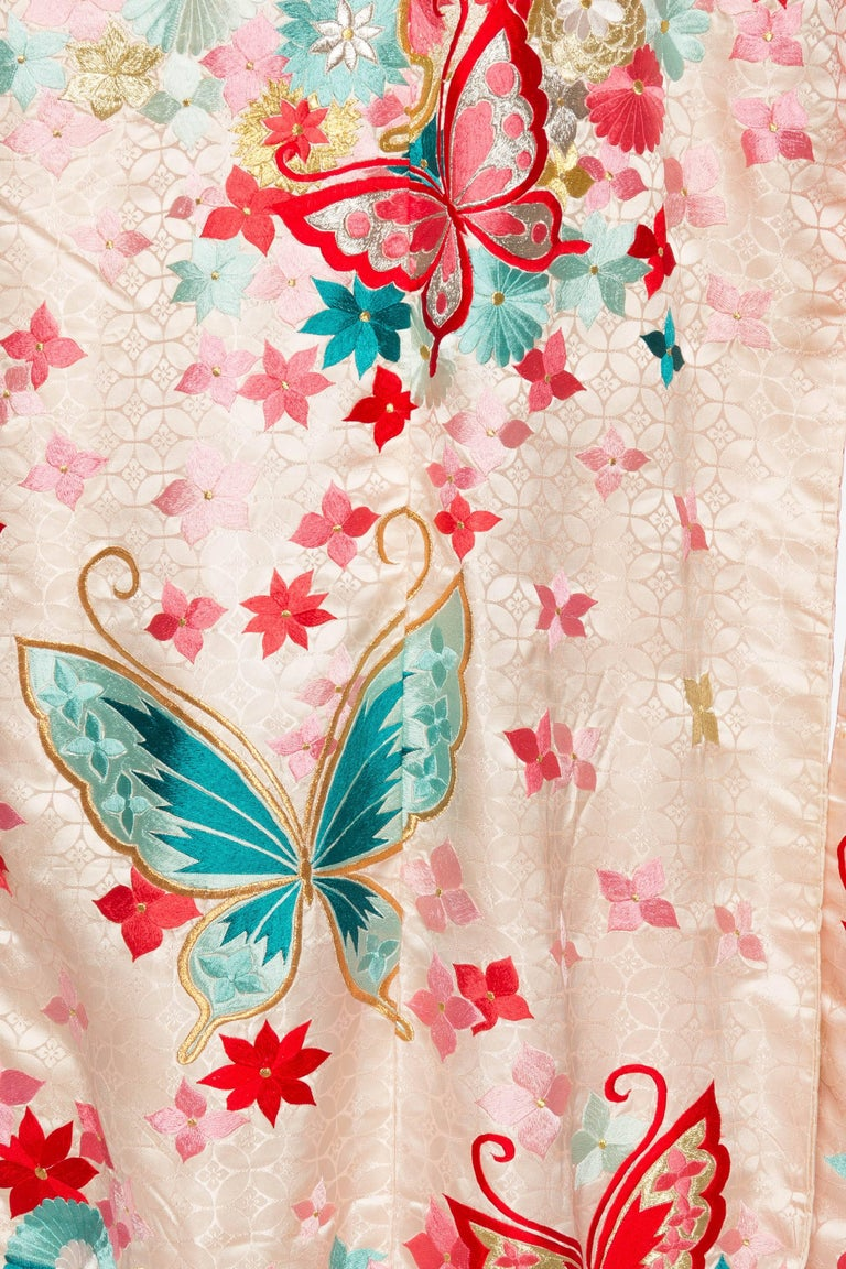 Vintage Kimono Embroidered with Butterflies and Flowers 9