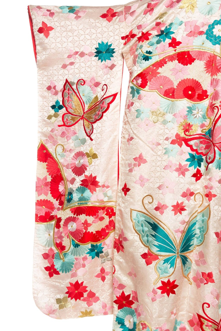 Vintage Kimono Embroidered with Butterflies and Flowers 8