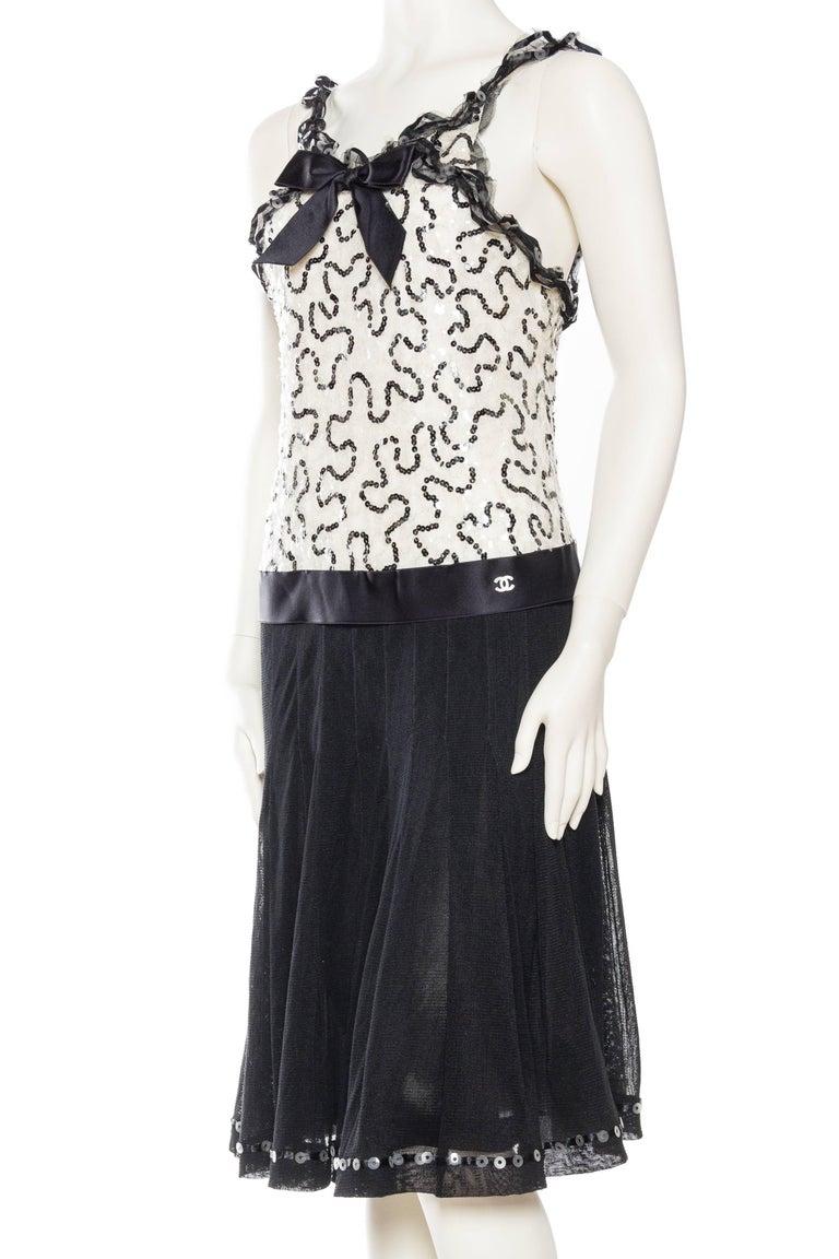 Women's or Men's Quintessential Black & White Chanel Dress For Sale