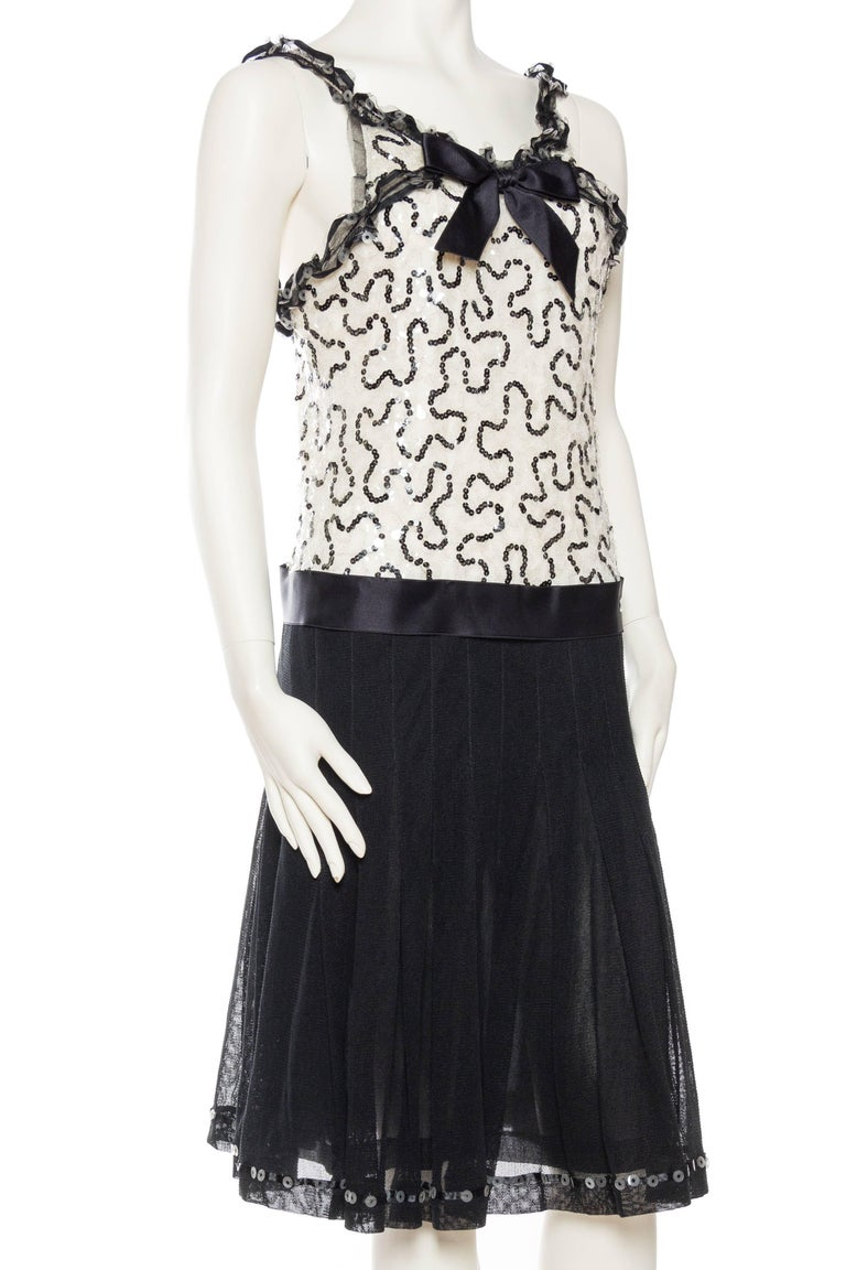 Quintessential Black & White Chanel Dress In Excellent Condition For Sale In New York, NY