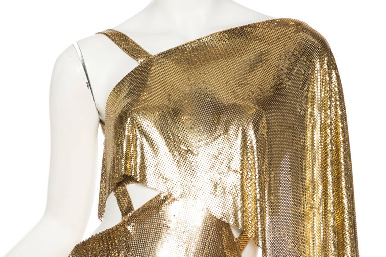 Gold Metal Mesh Backless One Sleeve Gown With High Slit For Sale 2