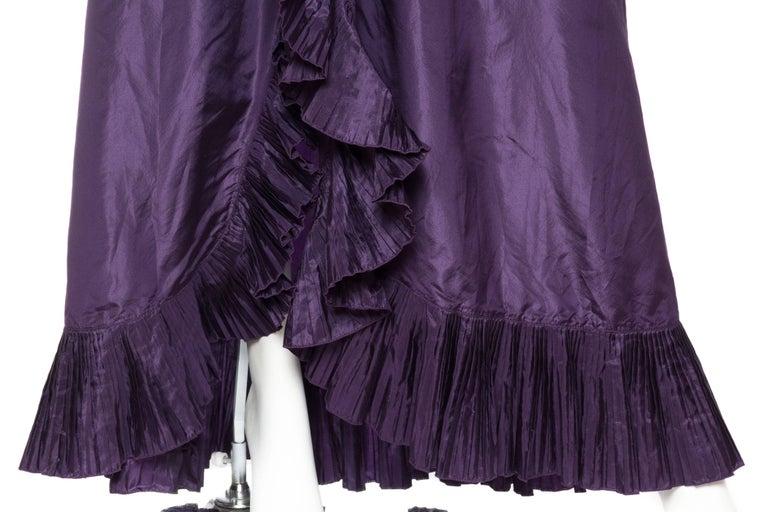 Ruffled Silk Taffeta Duster Coat Wrap Dress, 1970s  For Sale 3