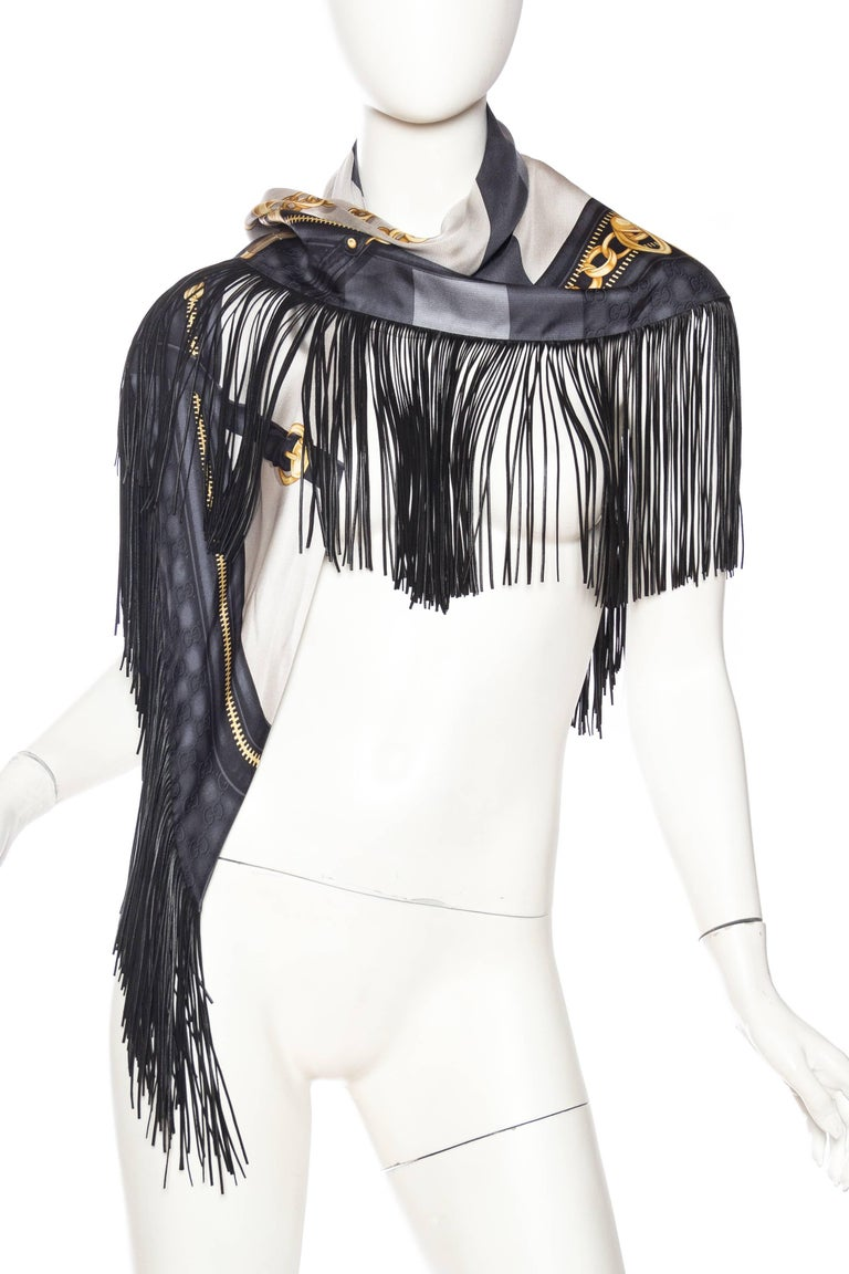 GG Tom Ford Gucci Fringed Gold Status Print Scarf In New Never_worn Condition For Sale In New York, NY