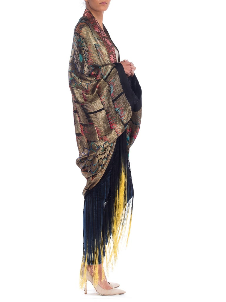 Antique Art Deco Gold Lamé  Cocoon Coat with Fringe In Excellent Condition For Sale In New York, NY