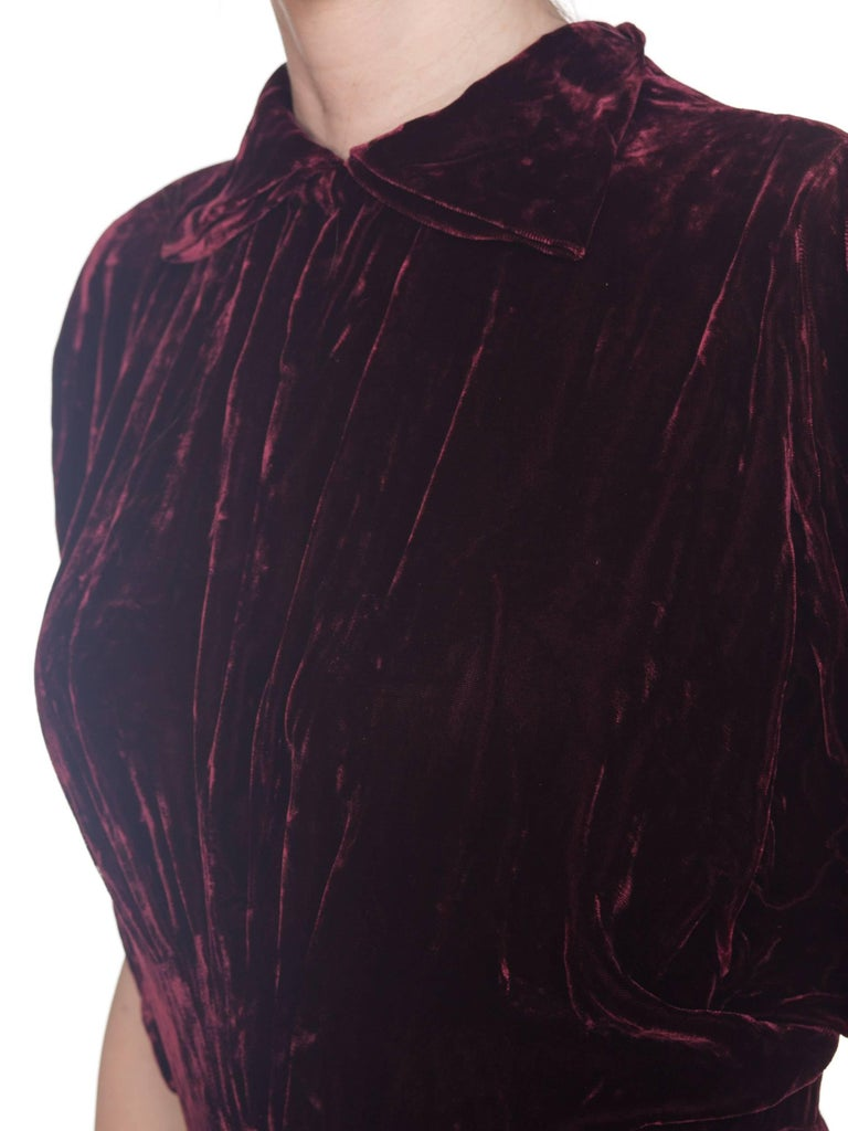 1930S Burgundy Bias Cut Silk Velvet Draped Bodice & Open Sleeve Gown XL For Sale 2