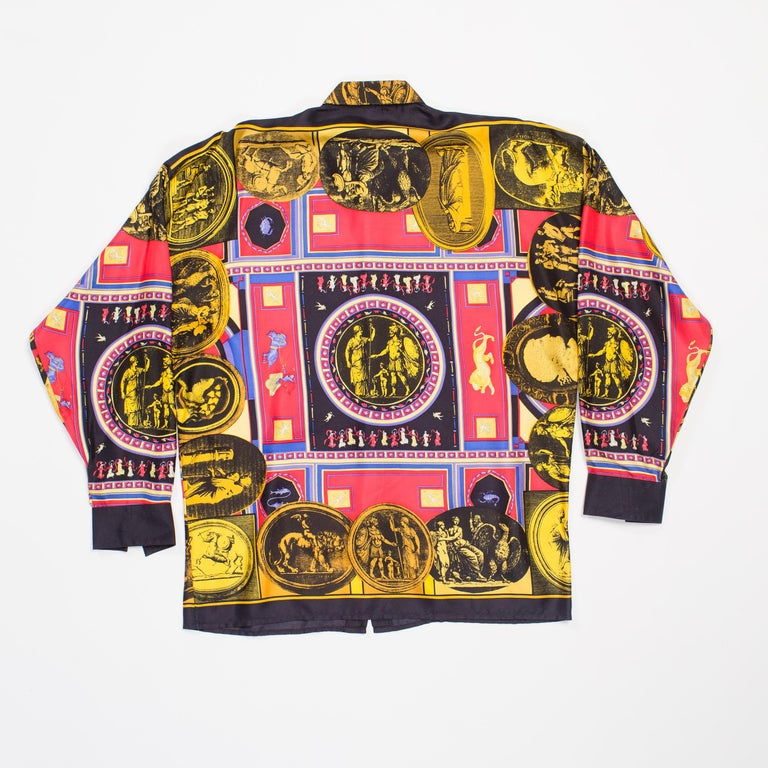 istante by versace Printed Julius Caesar Silk Shirt, 1990s  In Excellent Condition For Sale In New York, NY
