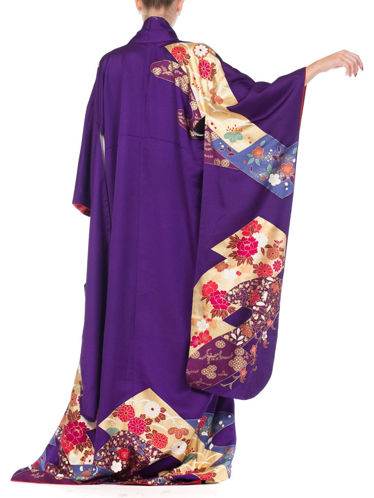 1970S Royal Purple & Gold Japanese Silk  Kimono For Sale 6