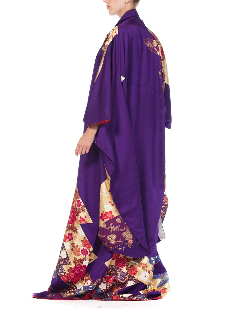 1970S Royal Purple & Gold Japanese Silk  Kimono For Sale 8