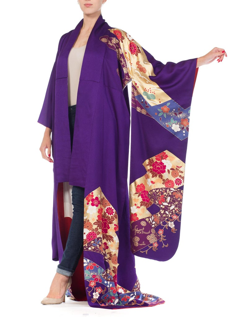 1970S Royal Purple & Gold Japanese Silk  Kimono For Sale 10