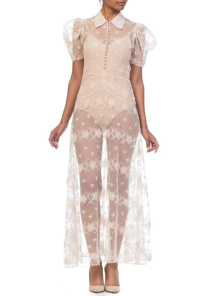 1930s Sheer Lace Net Dress With Floral Embroidery  In Good Condition For Sale In New York, NY