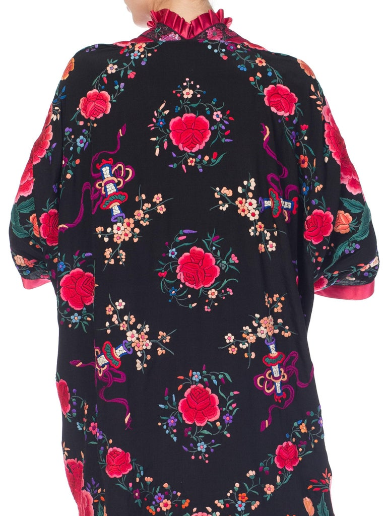 Pink Hand Embroidered Chinese Silk Cocoon Kimono With Vintage Ribbon, 1920s   For Sale