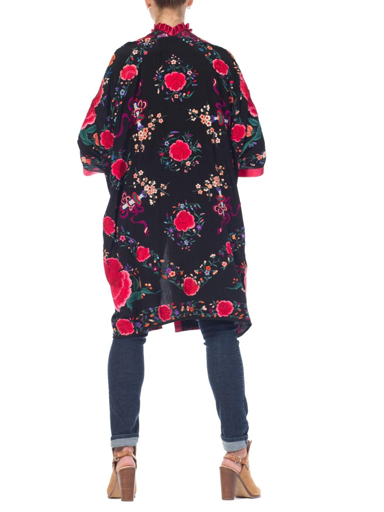 Hand Embroidered Chinese Silk Cocoon Kimono With Vintage Ribbon, 1920s   For Sale 3
