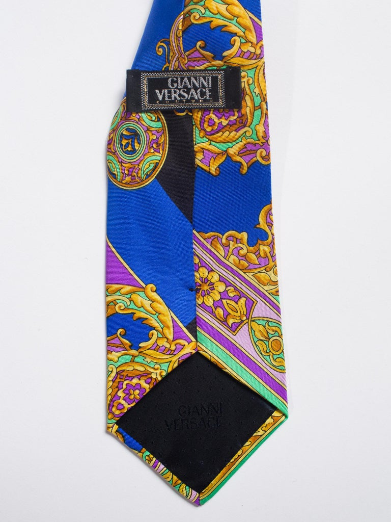 Gray Early 1990s Gianni Versace Hand-Printed Gold Baroque Mens Tie For Sale