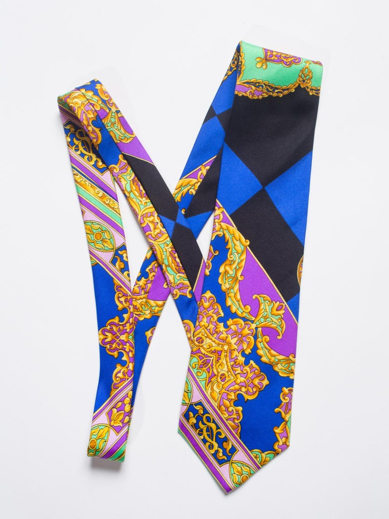 Early 1990s Gianni Versace Hand-Printed Gold Baroque Mens Tie For Sale 1