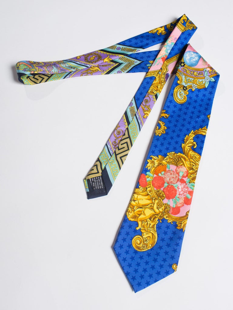 1990s Gianni Versace Baroque Floral & Blue Dot Mens Silk Tie For Sale 4