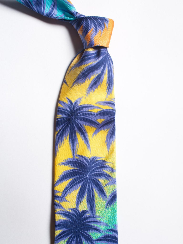 1990s Gianni Versace Miami South Beach Collection Palm Sunset Mens Silk Tie For Sale 2