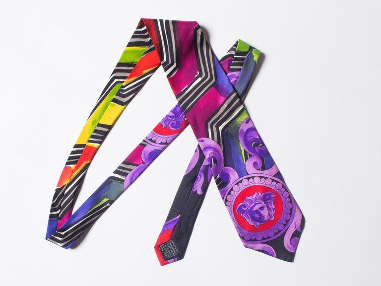 Early 1990s Gianni Versace Purple Medusa Men's Silk Tie For Sale 5