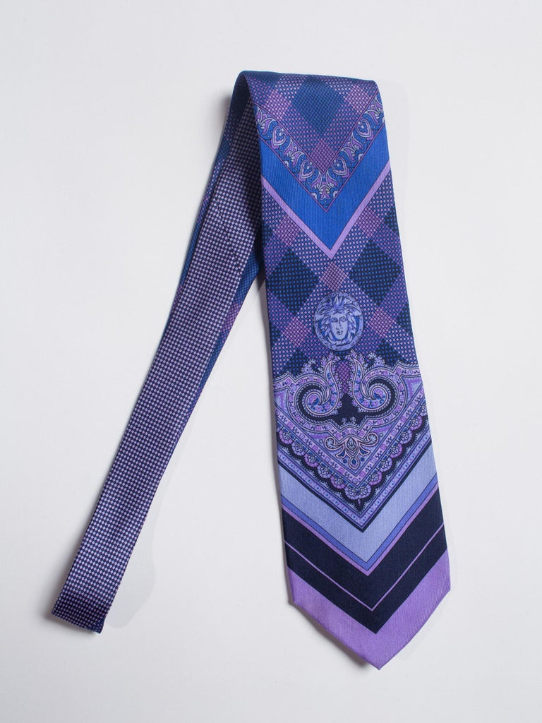1990s Gianni Versace Blue & Purple Medusa Logo Men's Silk Tie For Sale 1