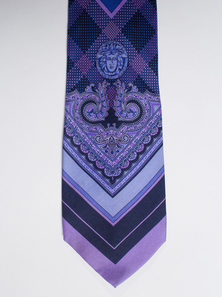 1990s Gianni Versace Blue & Purple Medusa Logo Men's Silk Tie For Sale 3
