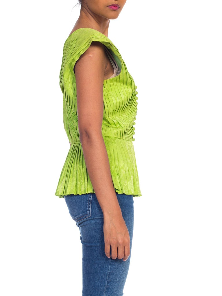 1970s Lanvin Couture Pleated Green Silk Blouse  In Excellent Condition For Sale In New York, NY
