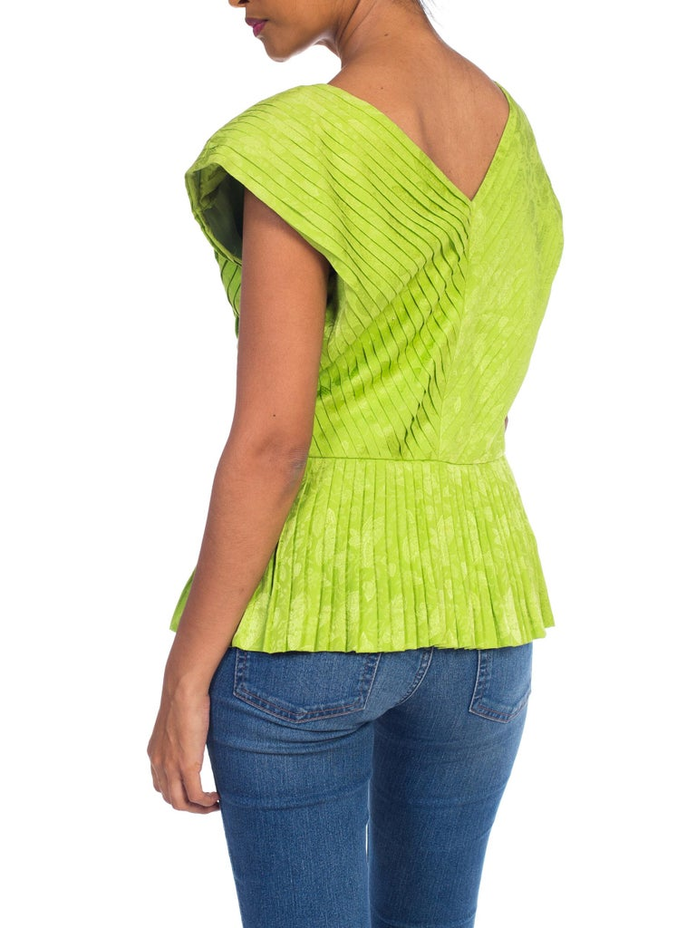 1970s Lanvin Couture Pleated Green Silk Blouse  For Sale 4