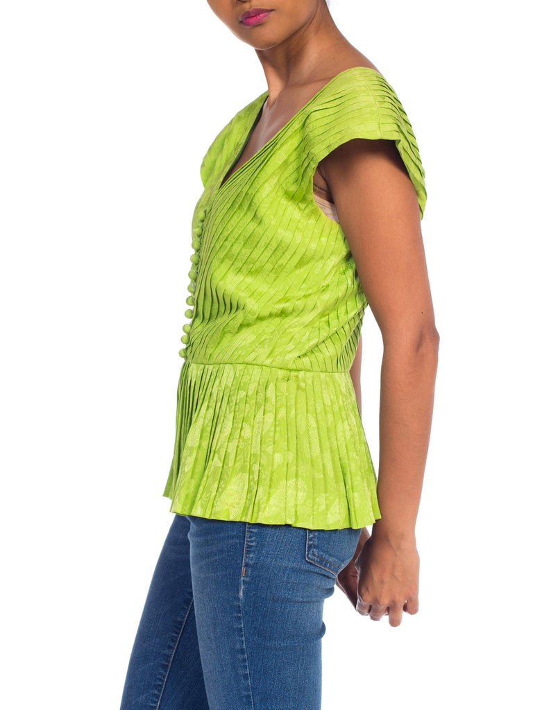 1970s Lanvin Couture Pleated Green Silk Blouse  For Sale 5