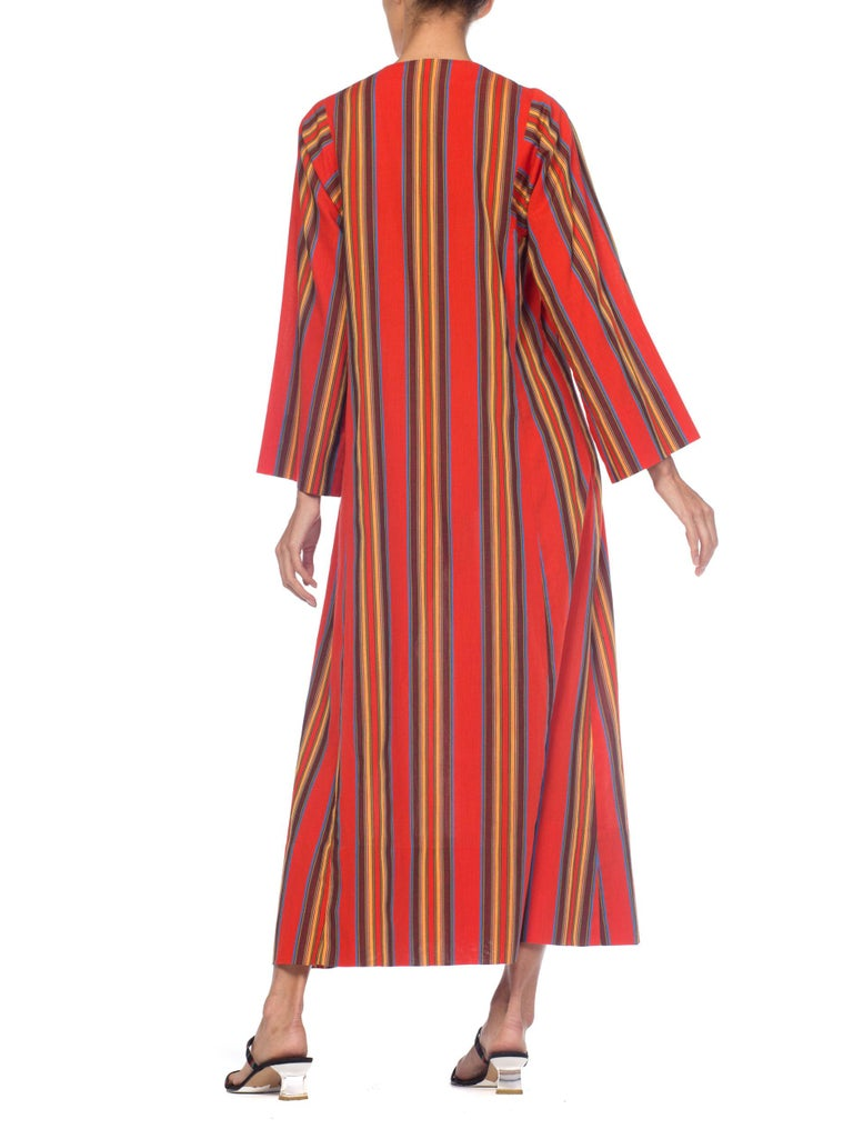 1970s Kaftan Dress With Embroidered Butterfly For Sale 4