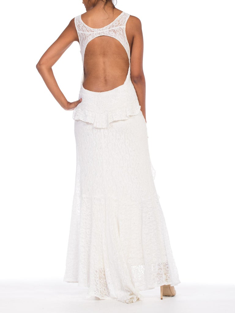 Backless 1930s White Lace Gown with Lace Caplet and Victorian Lace Detail In New Condition For Sale In New York, NY