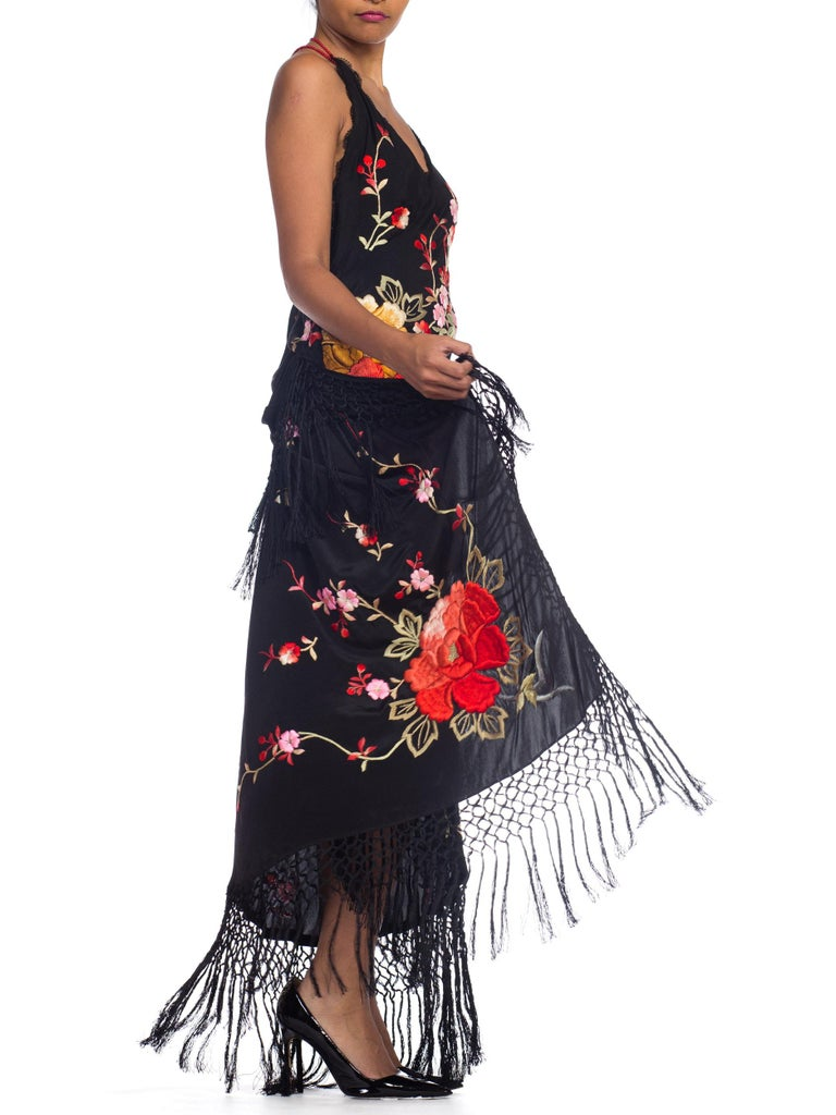 Bias Cut Backless Gown In Hand Embroidered 1920s Silk With Fringe & Coral Beads For Sale 8