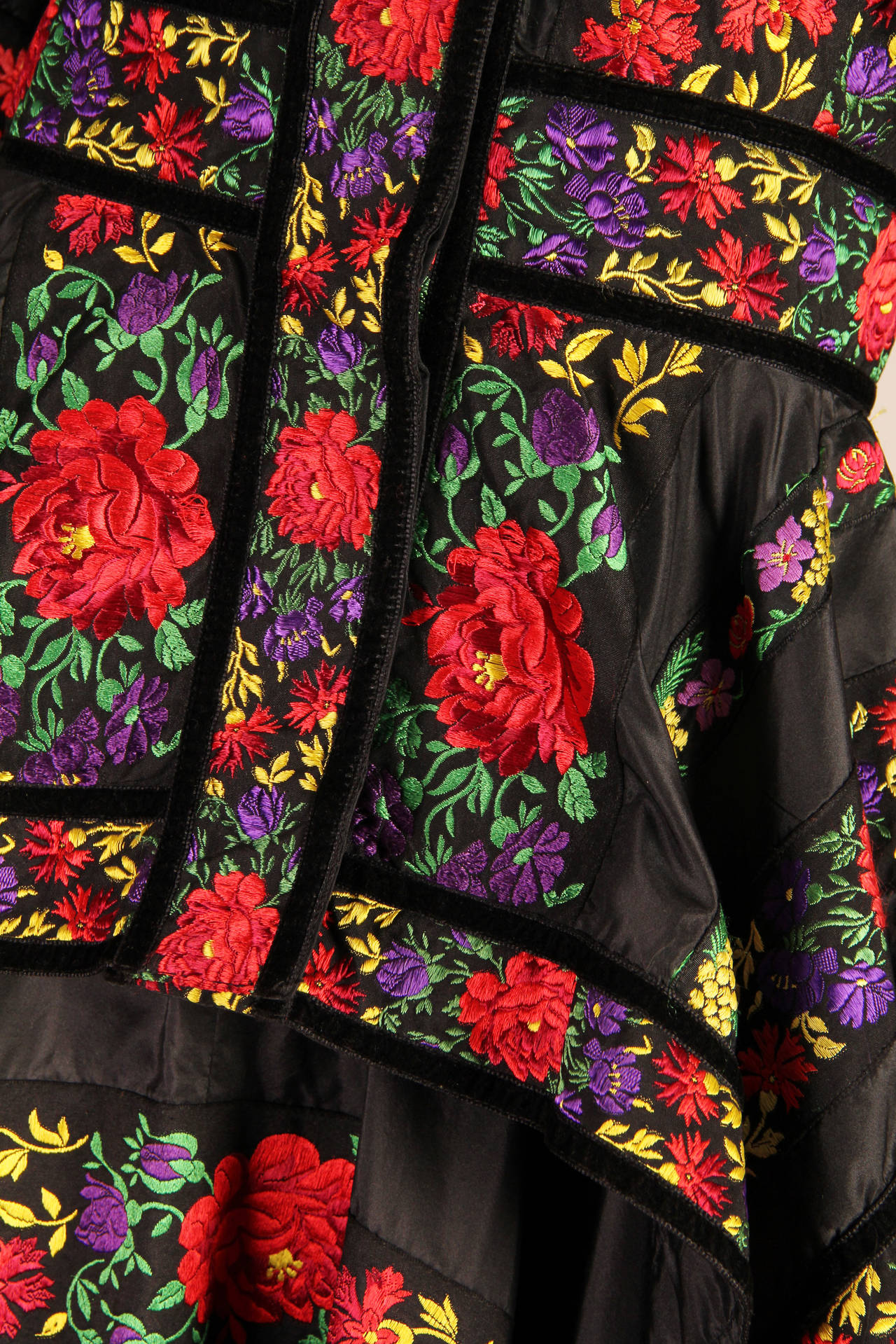 Folkloric Embroidery Boho Inspired Silk Ensemble From Kenzo Gucci style  6