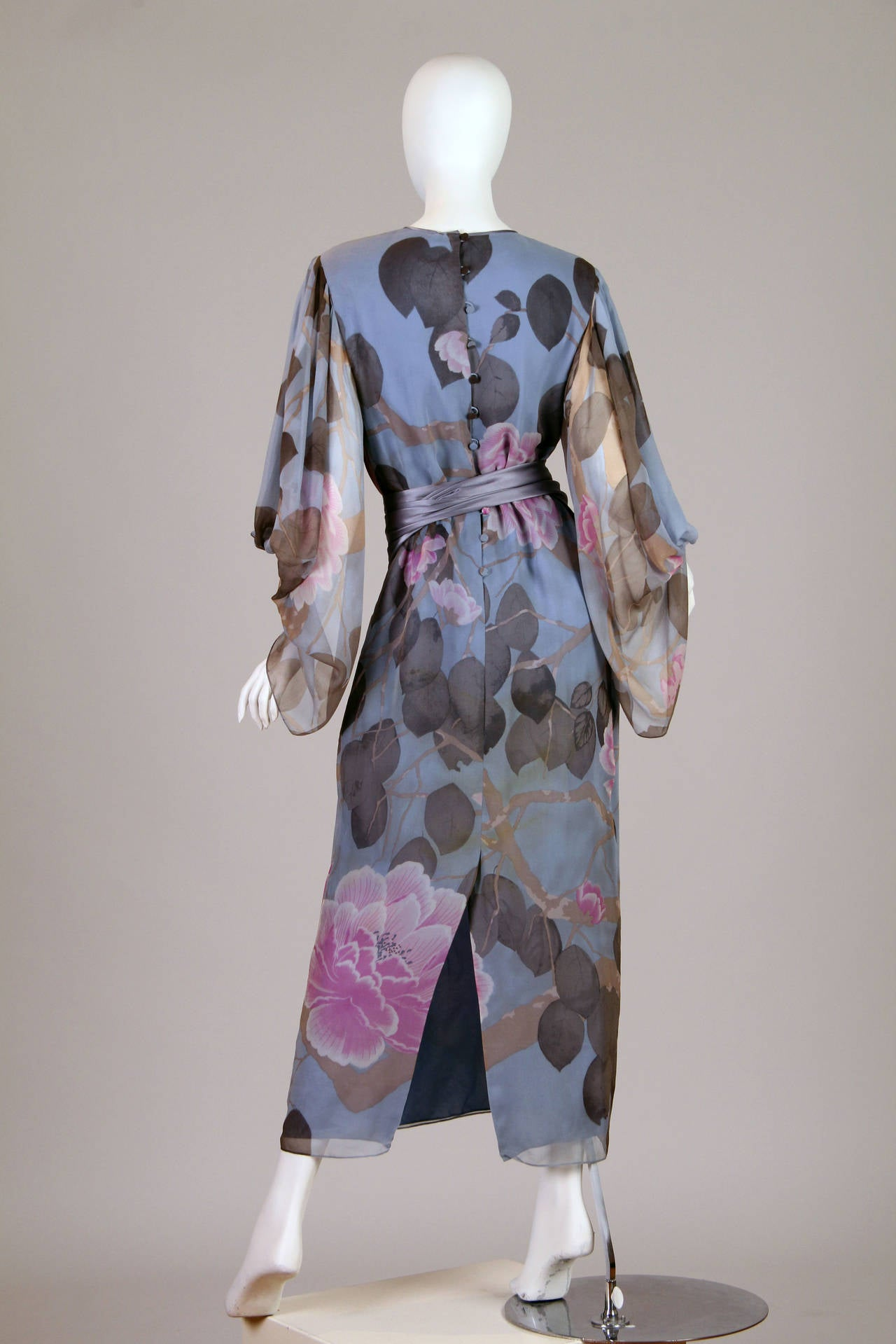 Gray Elegant Hanae Mori Grey Blue Silk Asian Floral Dress For Sale