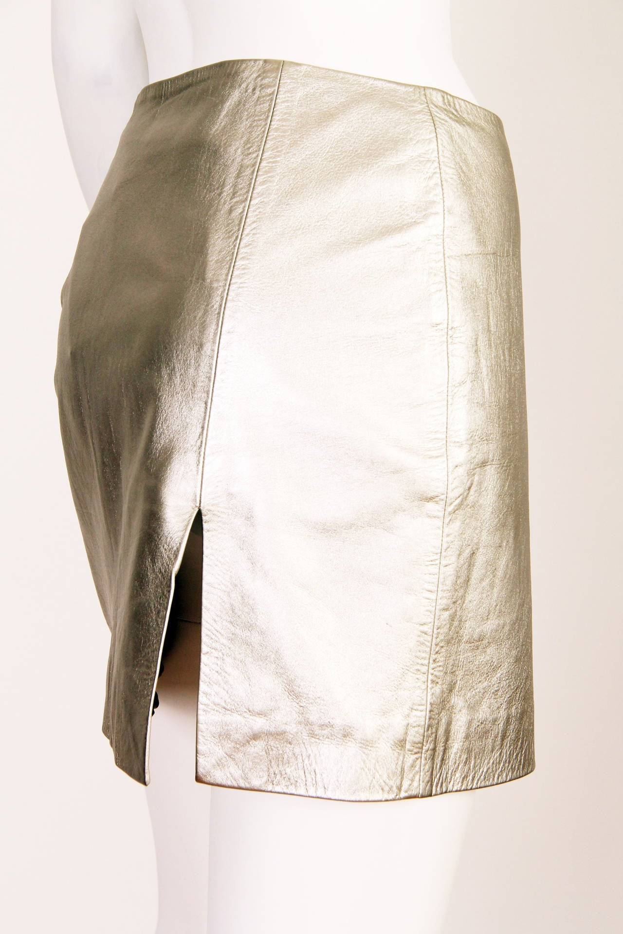 Women's Iconic Documented 1994 Supermodel Gianni Versace Couture Silver Leather Skirt For Sale