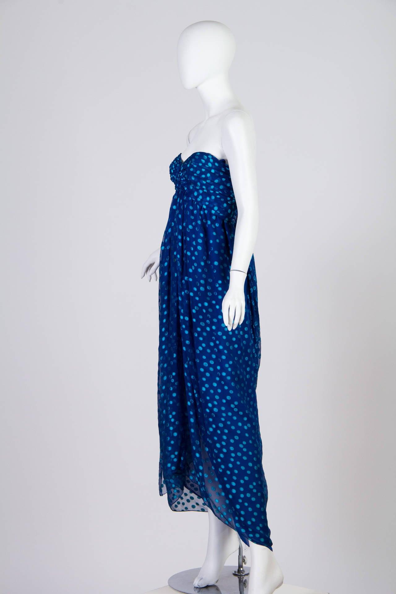 1970s Oscar de la Renta Chiffon Dress In Good Condition For Sale In New York, NY