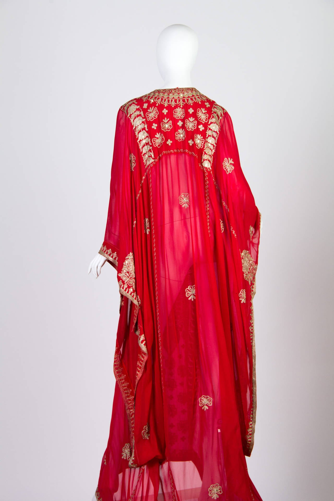 Silver embroidered Sheer Kaftan In Good Condition For Sale In New York, NY